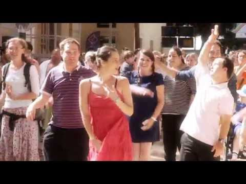 You can be yourself, Le Flashmob de L'Arche !